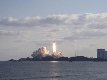 일본의 위성발사외 해외 군사 소식.