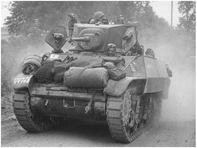 차체 전면을 보고 M3A3, M5A1을 구분하는 방법.