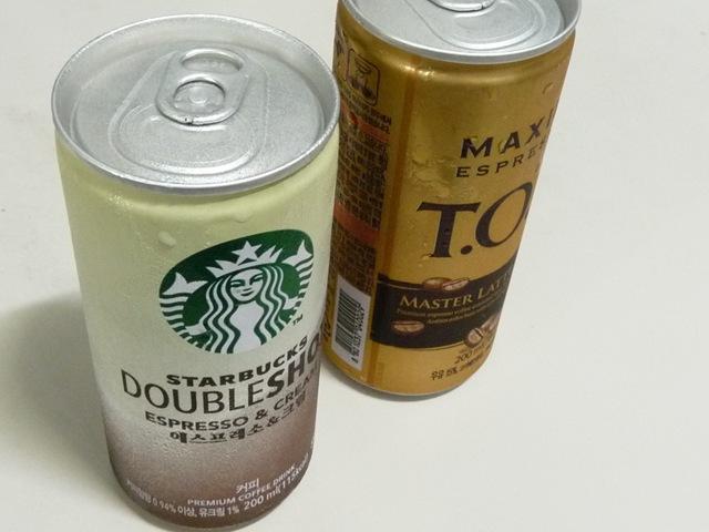 더워지는 오후에 차가운 캔커피 한 잔.