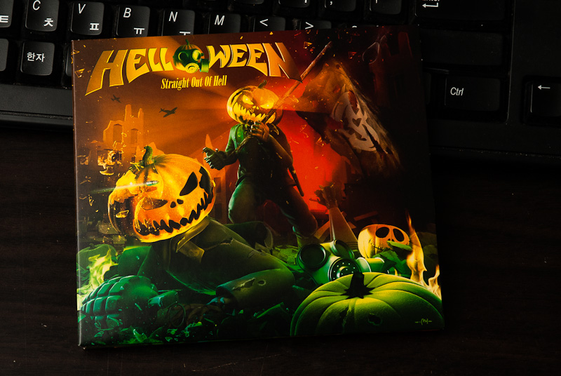 Straight Out Of Hell - Helloween / 2013