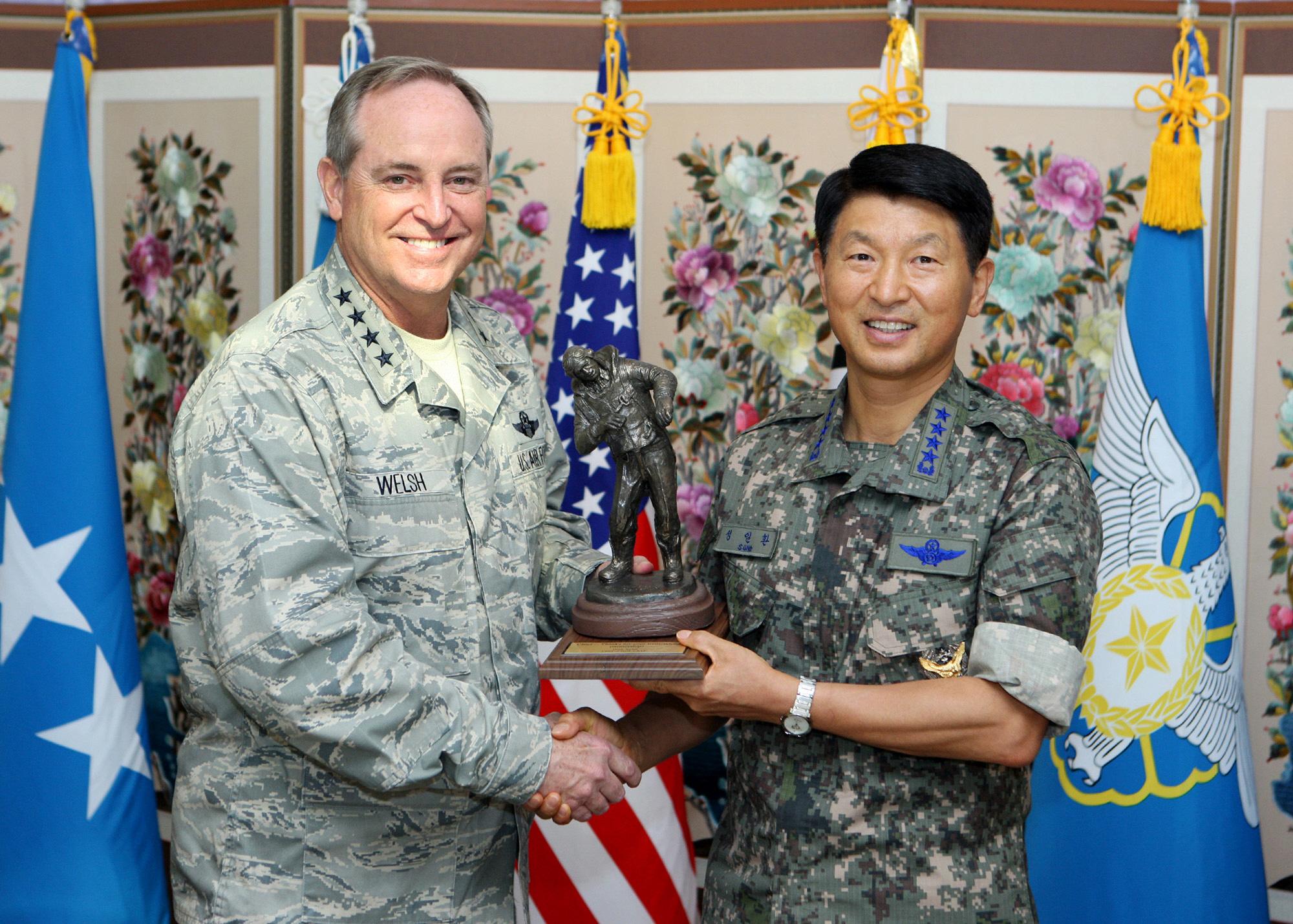 한.미 양국 공군간 교류 활성화 및 우호증진 논의