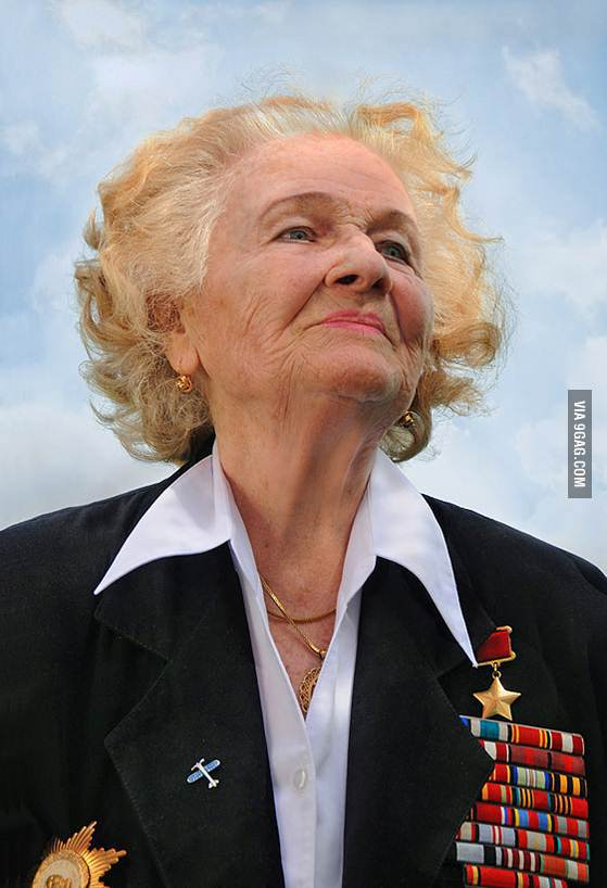 소련군 제 588 야간 폭격비행연대 '밤의 마녀들' 의 마지..