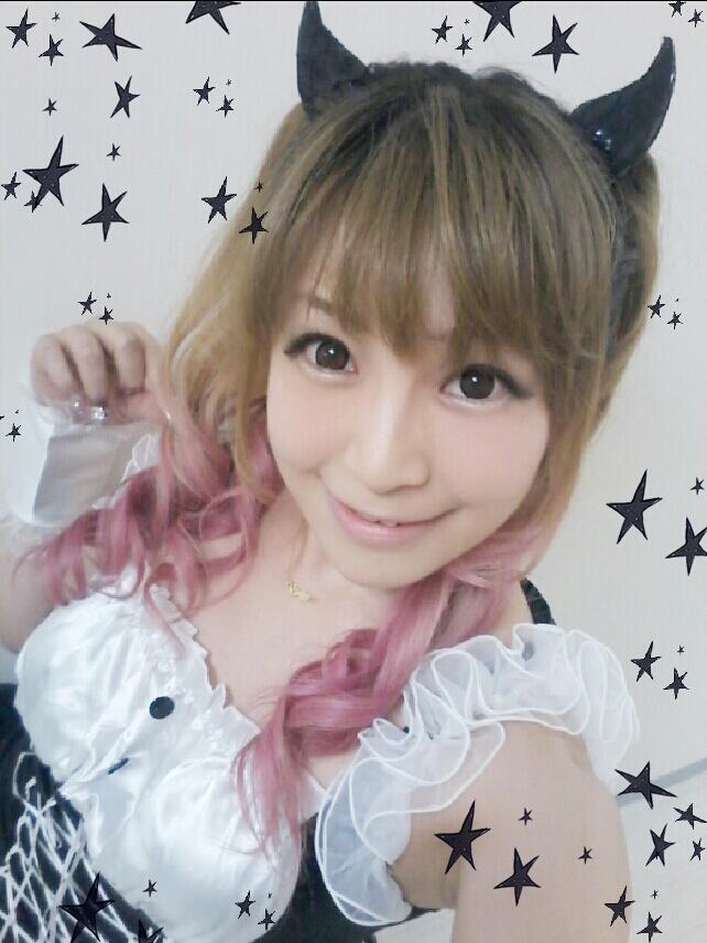 성우 사카키바라 유이씨의 사진이로군요.