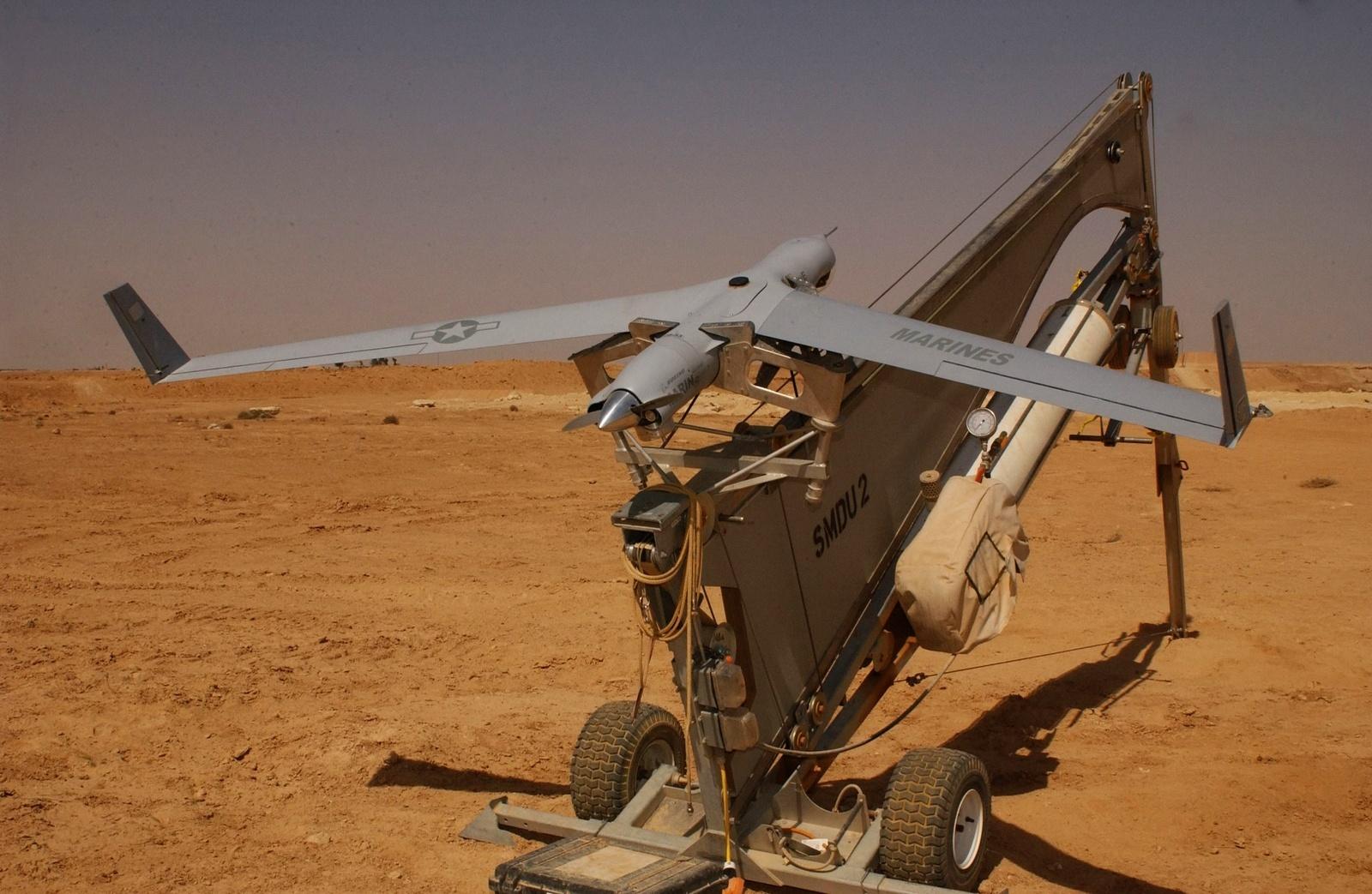 스캔이글 무인기와 헬파이어 미사일을 구매한 이라크