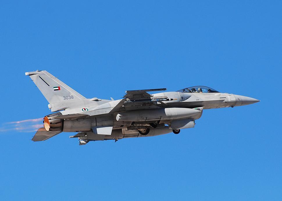 """F-16 """"블록 61"""" 전투기를 도입할 지 모를 UAE"""