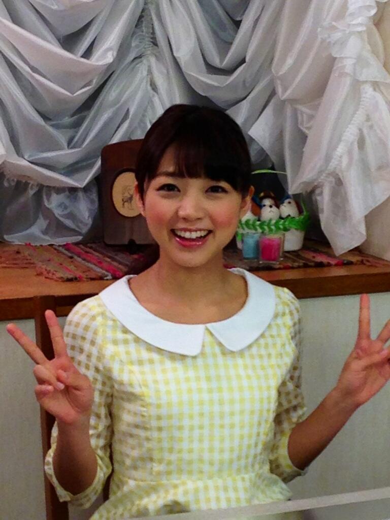 성우 미모리 스즈코씨의 사진이 예쁘네요.