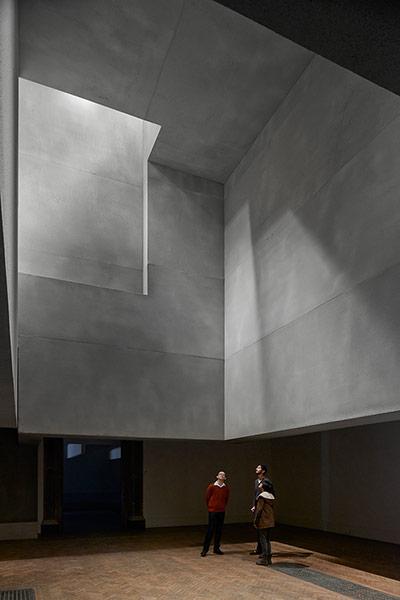 공간체험으로써 건축전시: Sensing Spaces: Arch..