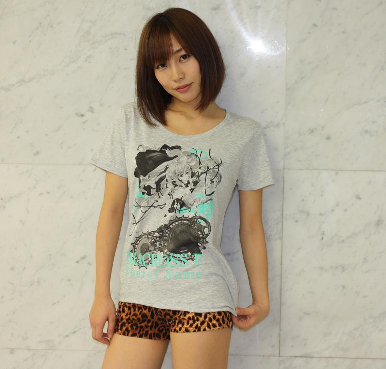 성우 쿠스다 아이나씨가 예전에 찍은 패션 모델 사진