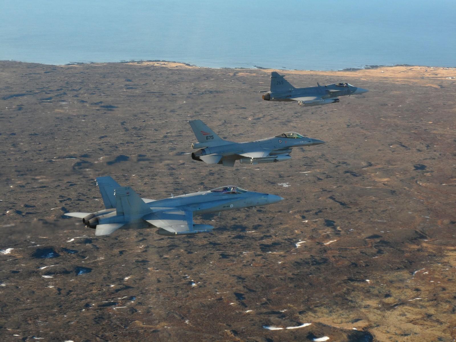 동유럽에 추가 전력의 배치를 고려 중인 NATO