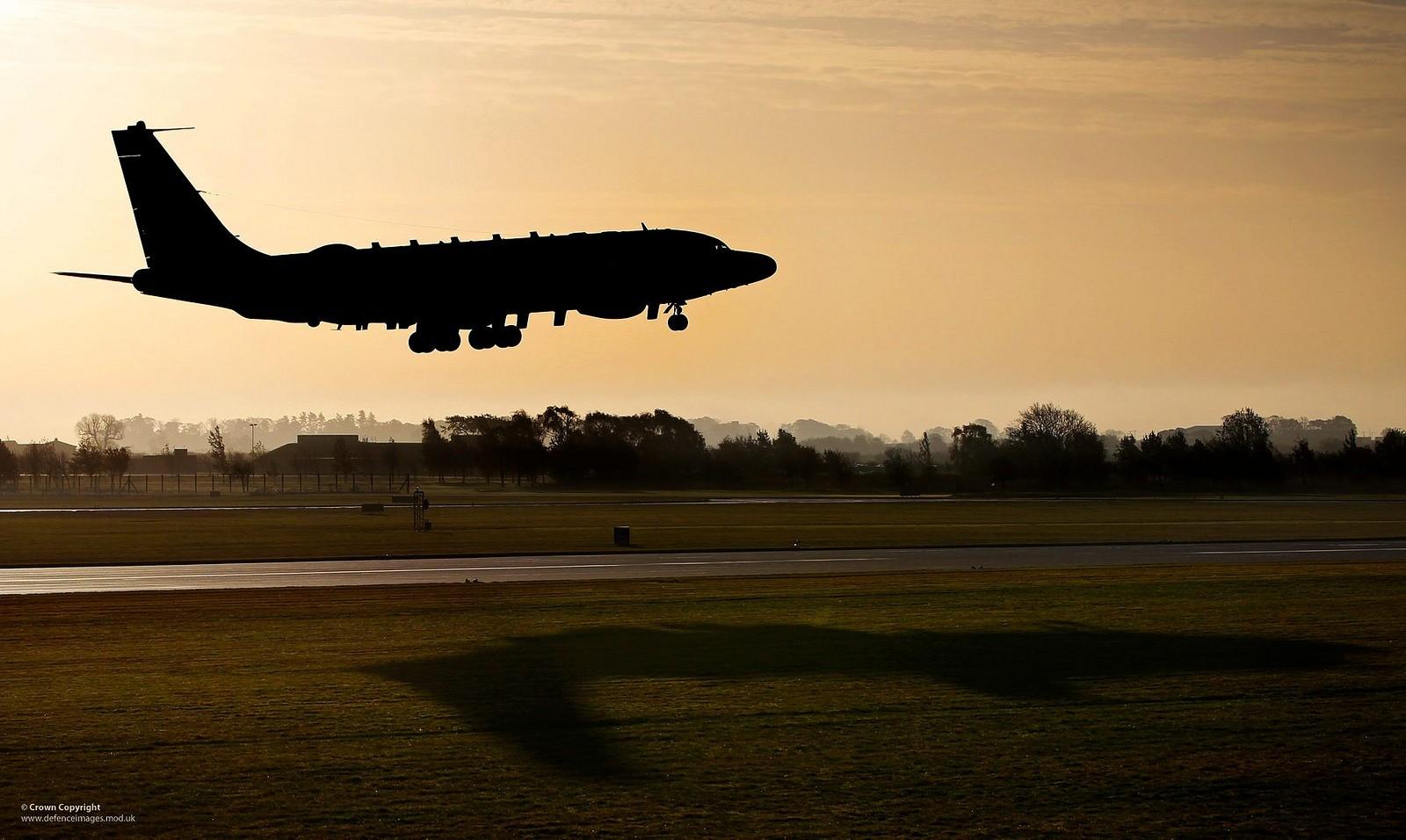 잠정 비행승인을 받은 영국 공군의 리벳 조인트