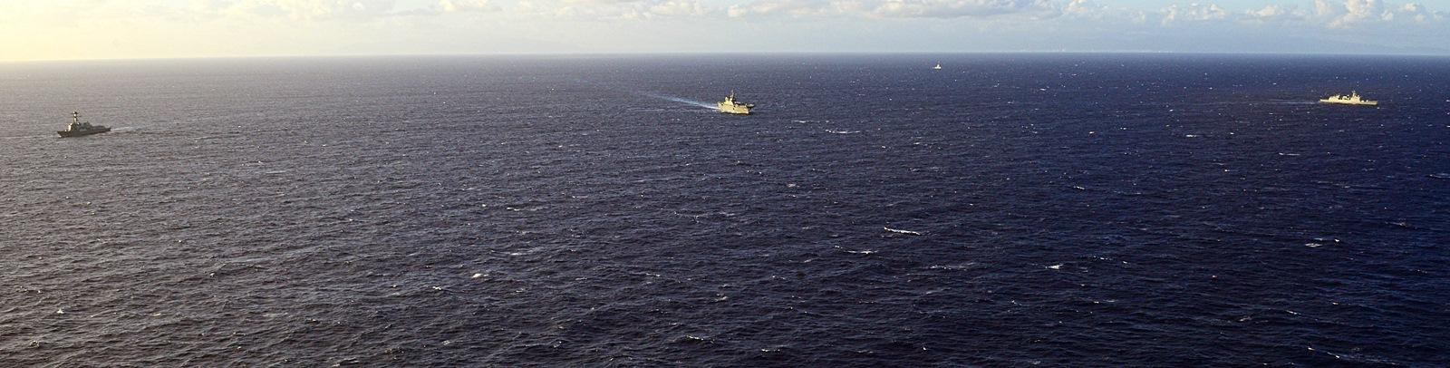 한 미 일 3국 해군 합동 함대 항진 훈련 실시