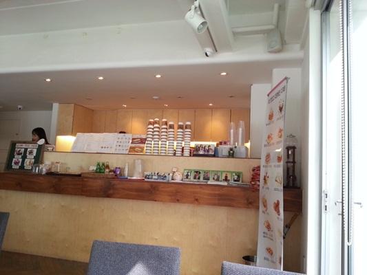 홍대 W카페, 괜춘한 가성비의 카페.