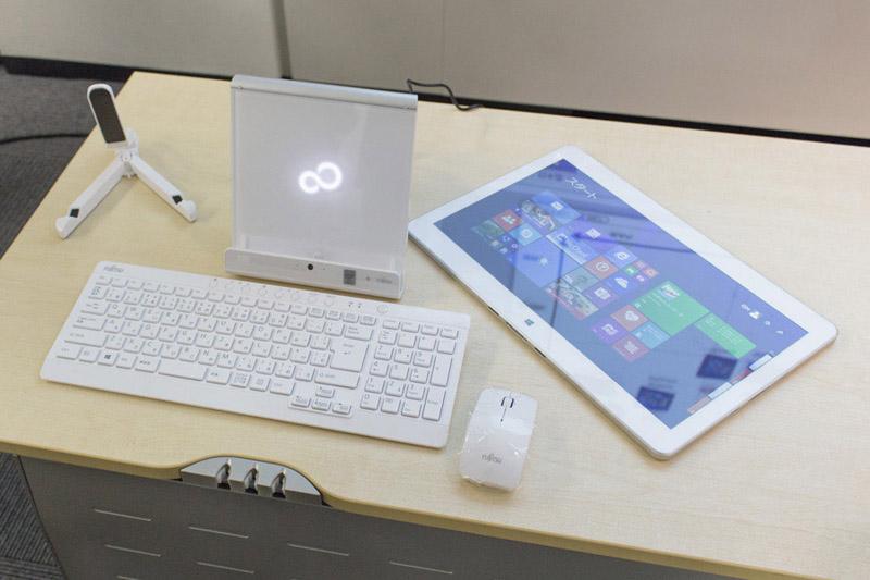 후지쯔, 집안에서 쓰는 기묘한 데스크탑 태블릿(?..