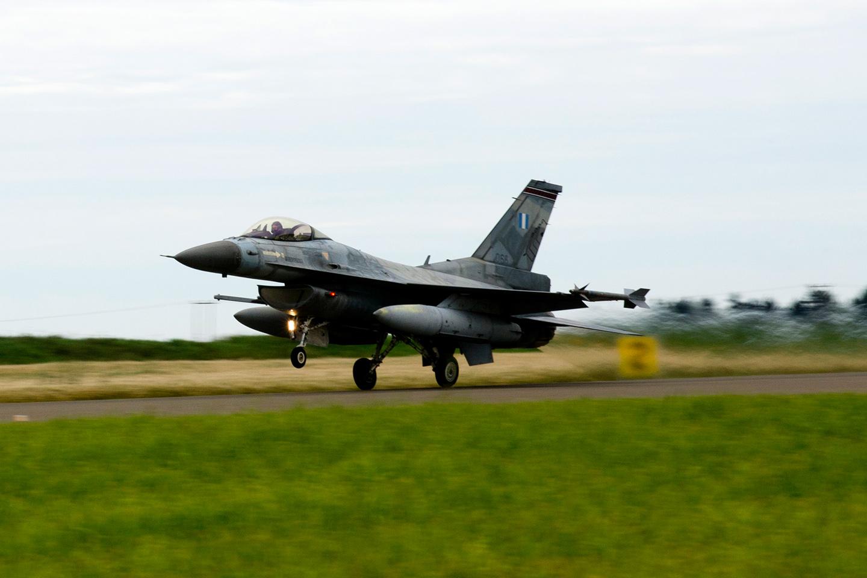Brilliant Arrow 2013 (BAW13) 참가 그리스공군 F-1..