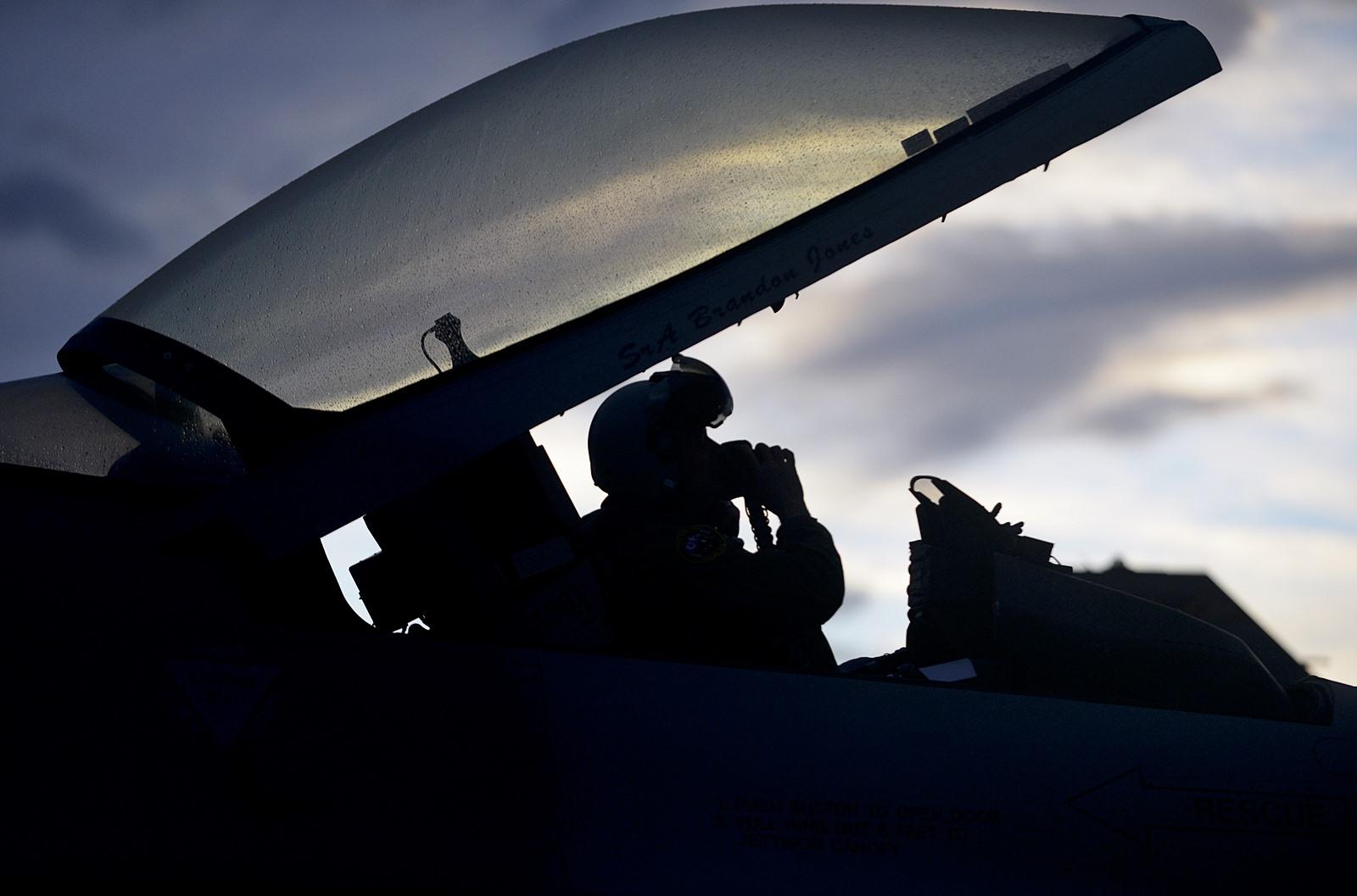 그리스와 미공군 F-16 전투기 합동훈련