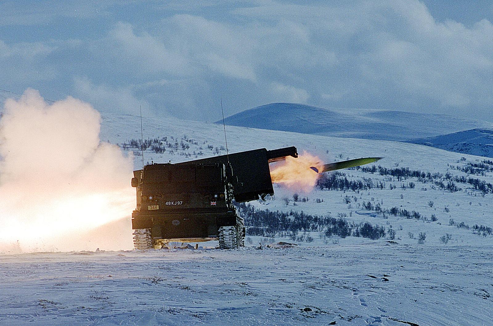 노르웨이육군 MLRS 로켓 사격 훈련