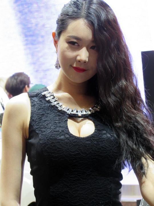 은하영 - 2015 서울모터쇼에서