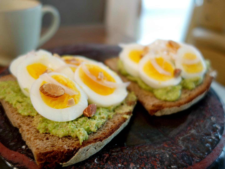 아스파라거스 페스토 에그 오픈샌드위치 Egg Tarti..
