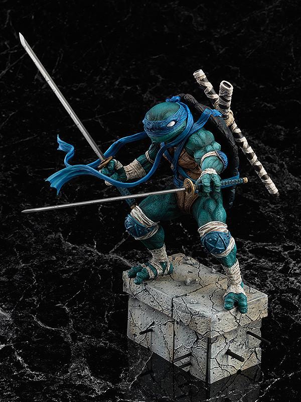닌자 거북이 '레오나르도'와 '라파엘로' 피규어 샘플 사진