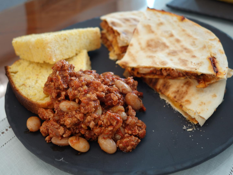 멕시칸 요리, 칠리빈과 퀘사딜라 kidney bean c..