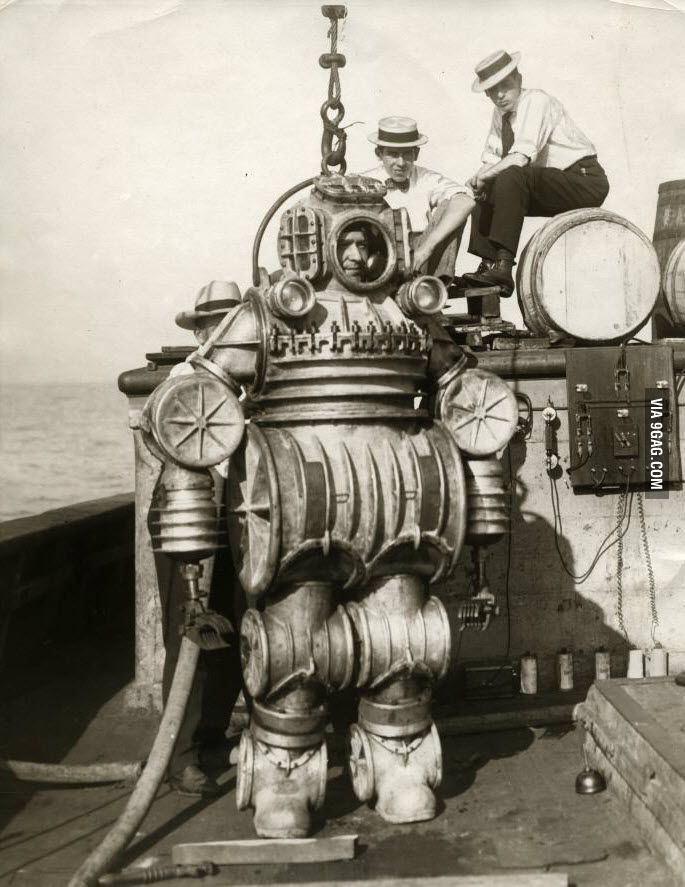 1920년 대 잠수복