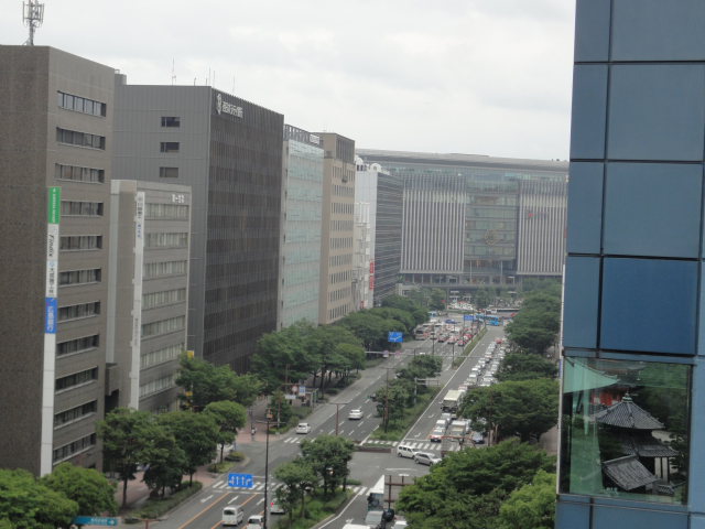 하카타 시티 아뮤 플라자 - 쓰바메노 모리 광장