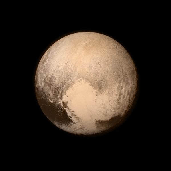 뉴호라이즌스가 보내온 명왕성 사진이 참 멋지군요.