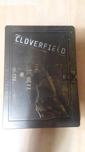 """""""클로버필드"""" DVD를 샀습니다."""