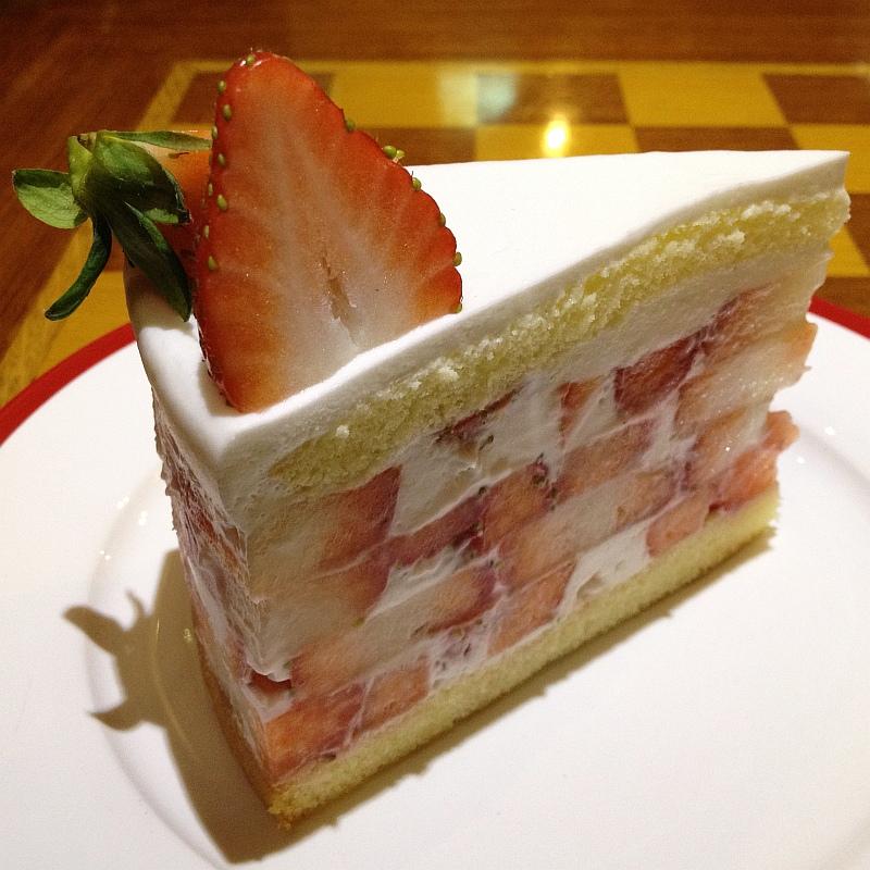 대구 '커피명가'의 진짜 딸기케이크