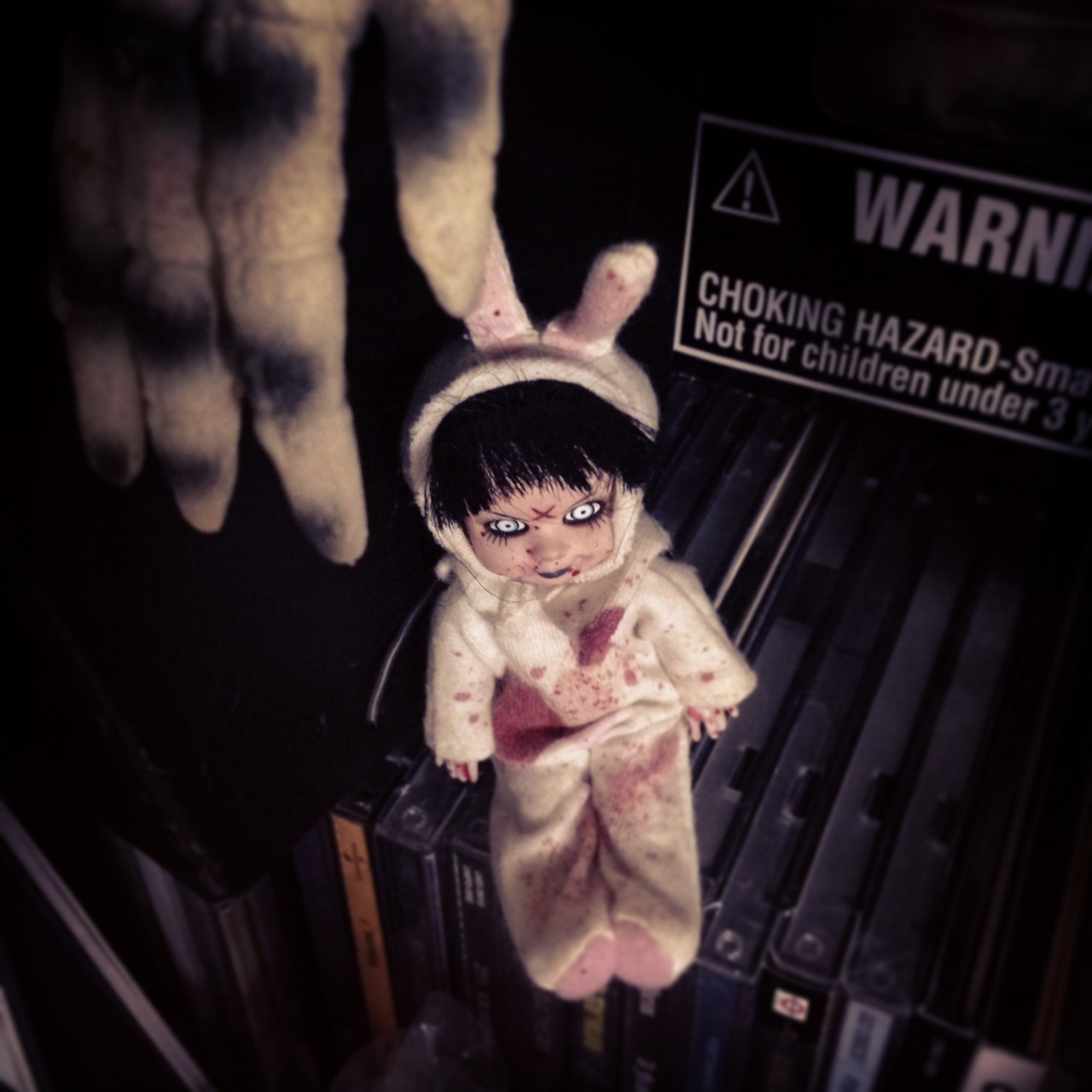 Living dead dolls. 끔찍하게 귀여운 것들..