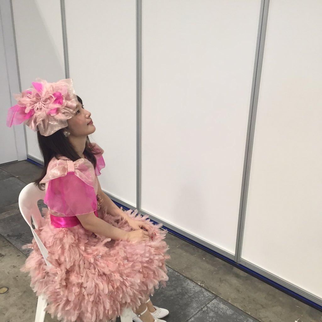 성우 우치다 마아야씨의 오피셜 트위터에 올라온 사진..
