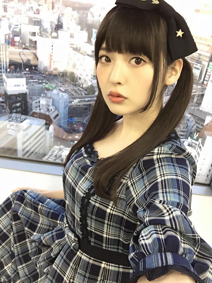 성우 우에사카 스미레가 자신의 트위터에 올린 사진