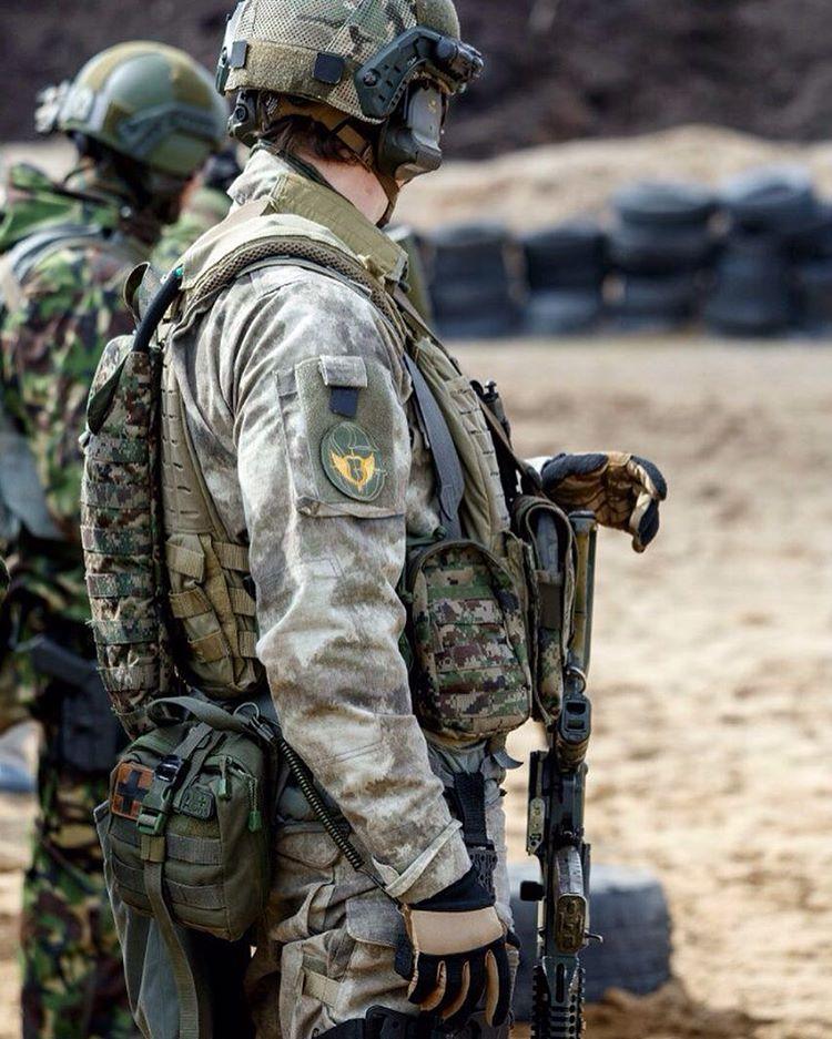 러시아 국방부 산하 특슈부대(SSO)으 무장