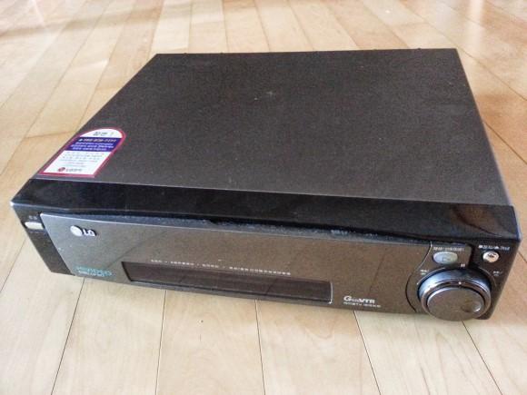 버림. 비디오 테이프 레코다(VCR). 생산중단.