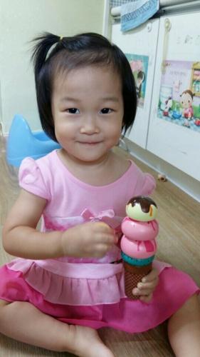 27개월, 어린이집 사진들 + 여름의 끝