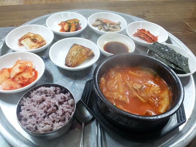 오늘의 점심메뉴, 김치찌개 정식