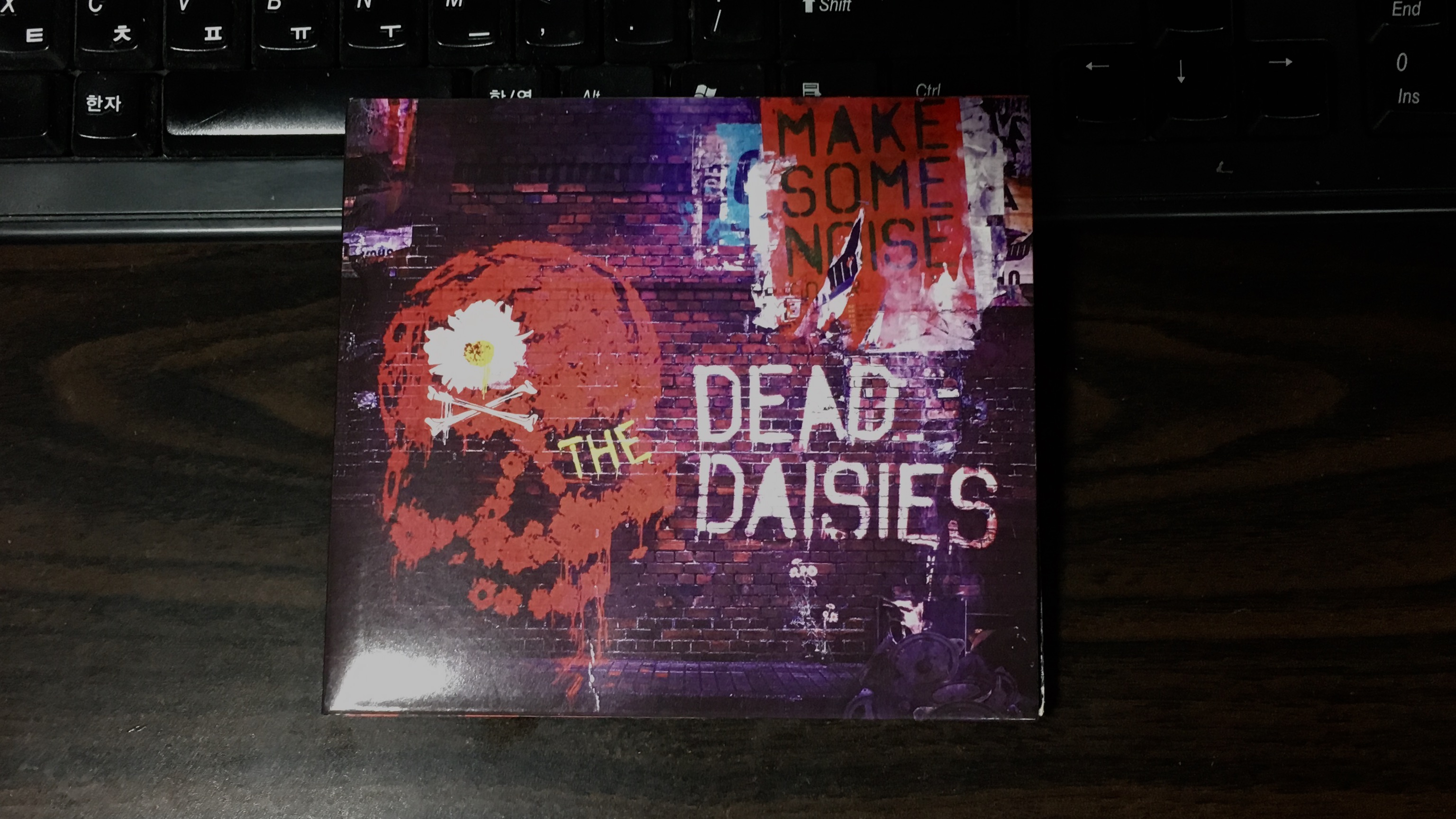Make Some Noise - The Dead Daisies / 2016