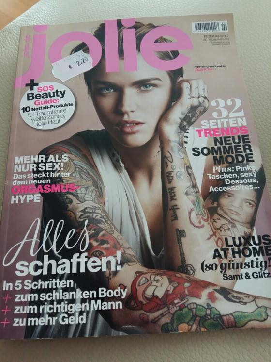 JOLIE:: German Fashion Magazine