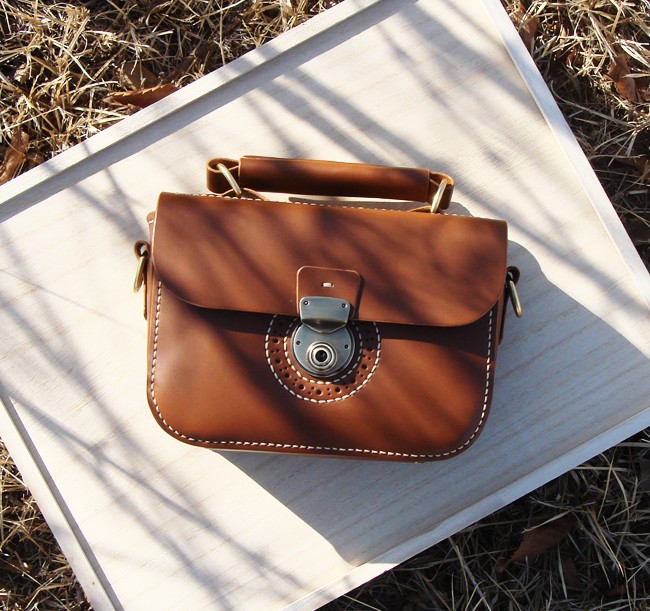 - Punching Mini Shoulder Bag (No.1)