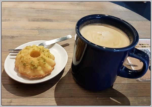 커피와 케이크와 나 그리고 회전목마와 나 그리고 ..