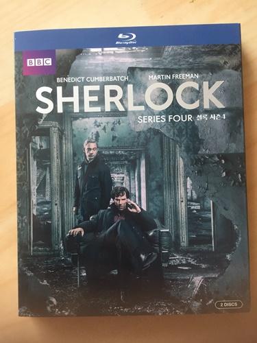 """""""셜록"""" 시즌 4 블루레이를 샀습니다."""