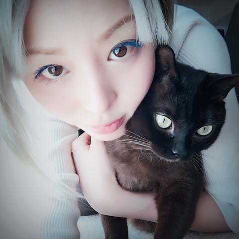 성우 히라노 아야가 자신의 블로그에 올린 사진, 고..
