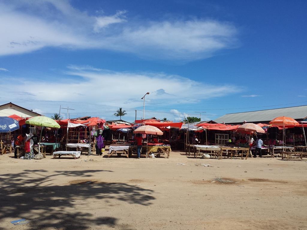 [탄자니아] 한국 의류가 대부분인 중고시장