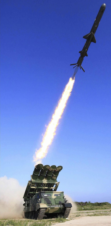 북한 지대함미사일 발사를 보고