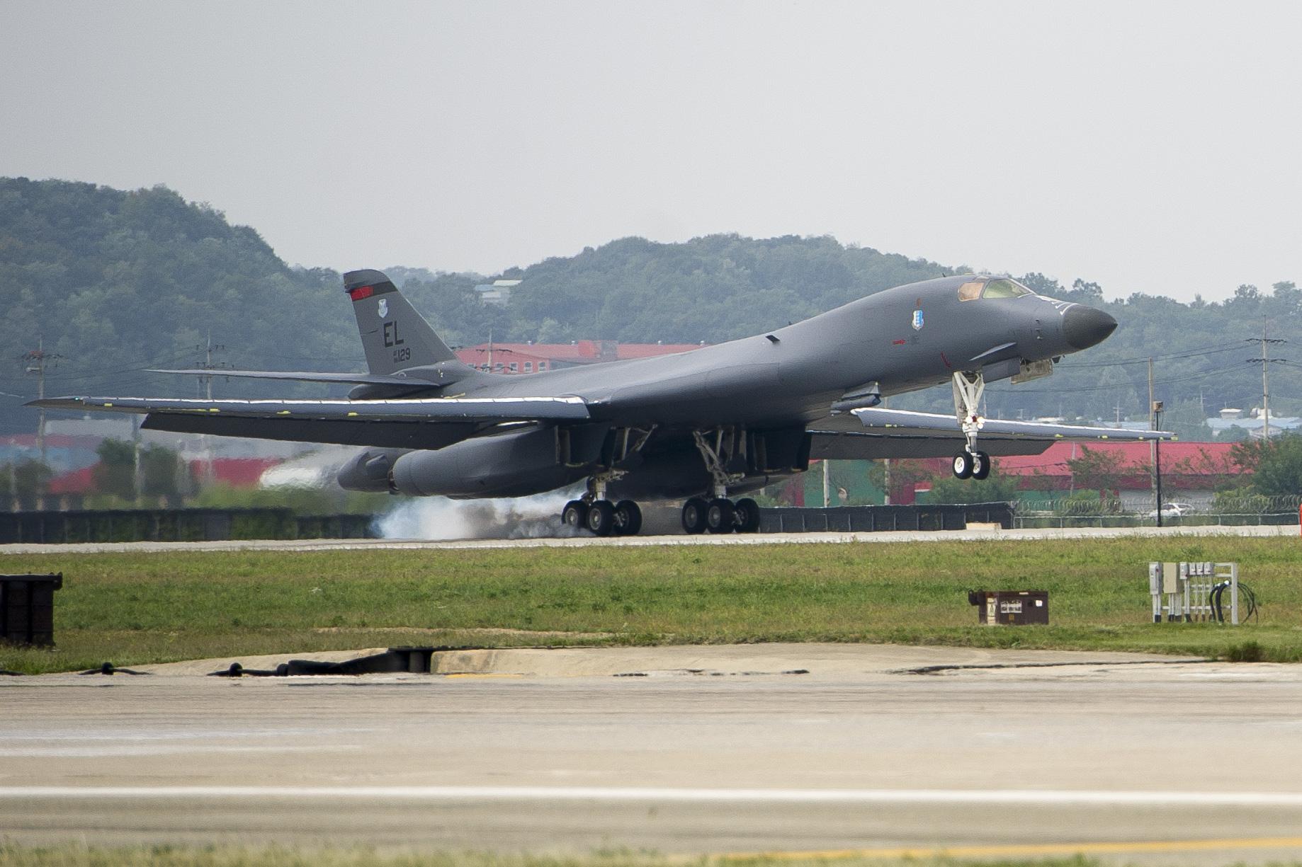 F-35B, B-1B 출격