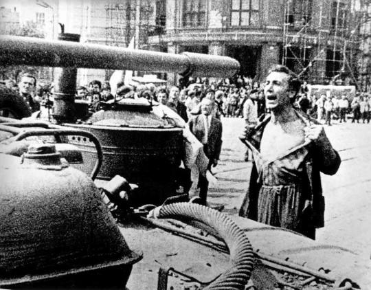 소련의 체코슬로바키아 침공과 중국의 대응?