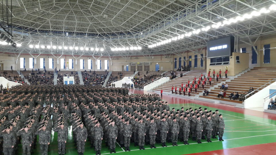 용석이, 전문연구원 4주간의 기초군사훈련을 마..