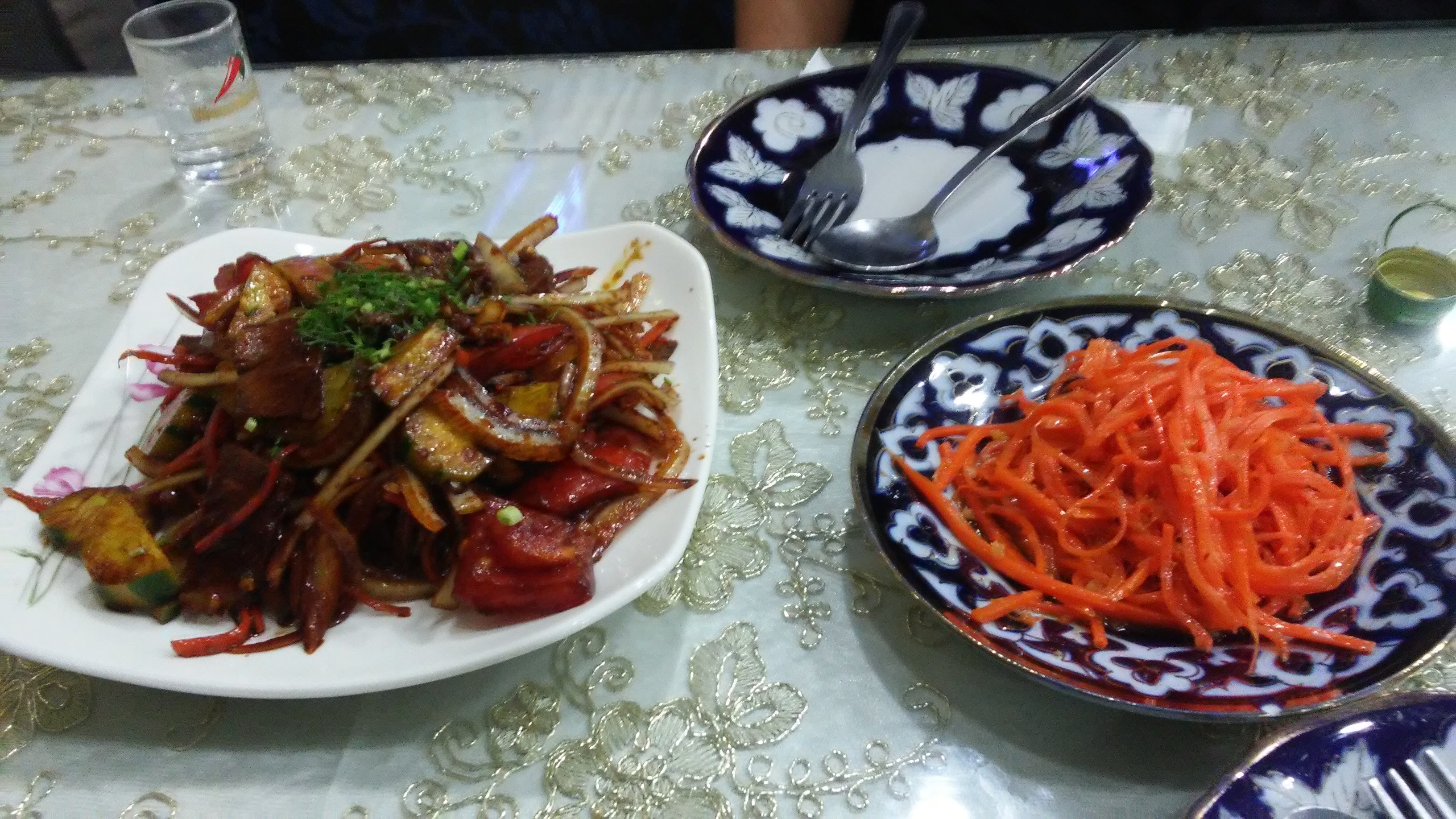 지인들과 먹은 동대문 러시아음식