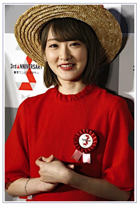 노기자카46 이코마 리나 : 밀짚 모자&레드 원피스 차..