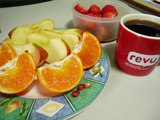 봄철에 과일로 비타민 C 보충